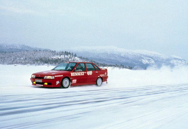 Turbo-Express: Dank aufgeladenem Zwei-Liter-Einspritzmotor konnte der Renault R21 Turbo auf 129 kW/175 PS zurückgreifen und bis zu 227 km/h schnell werden.