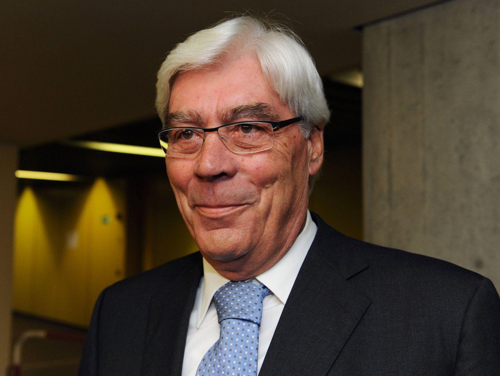 Werner Schmidt / Bayern LB Chief / Gericht