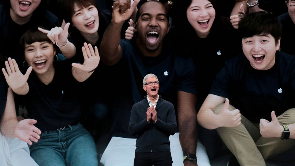 Tim Cook 2018 beim Launch des iPad Pro: Als Apple-Chef hat er es geschafft, erfolgreich in die Fußstapfen des Gründers Steve Jobs zu treten
