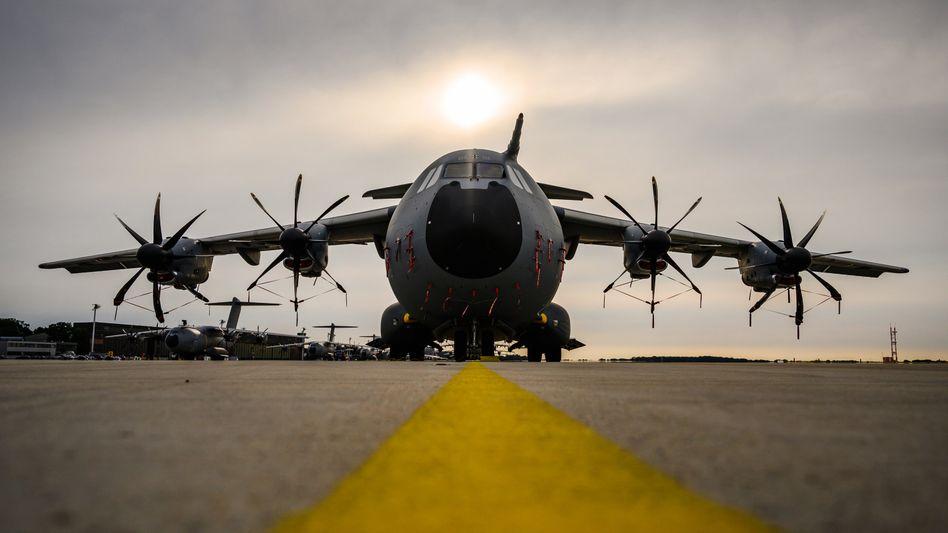 Der Militärtransporter A400M bleibt ein Sorgenkind. Die Exportaussichten des Transporters gestalteten sich immer schwieriger, hatte unlängst der Airbus-Konzern erklärt.