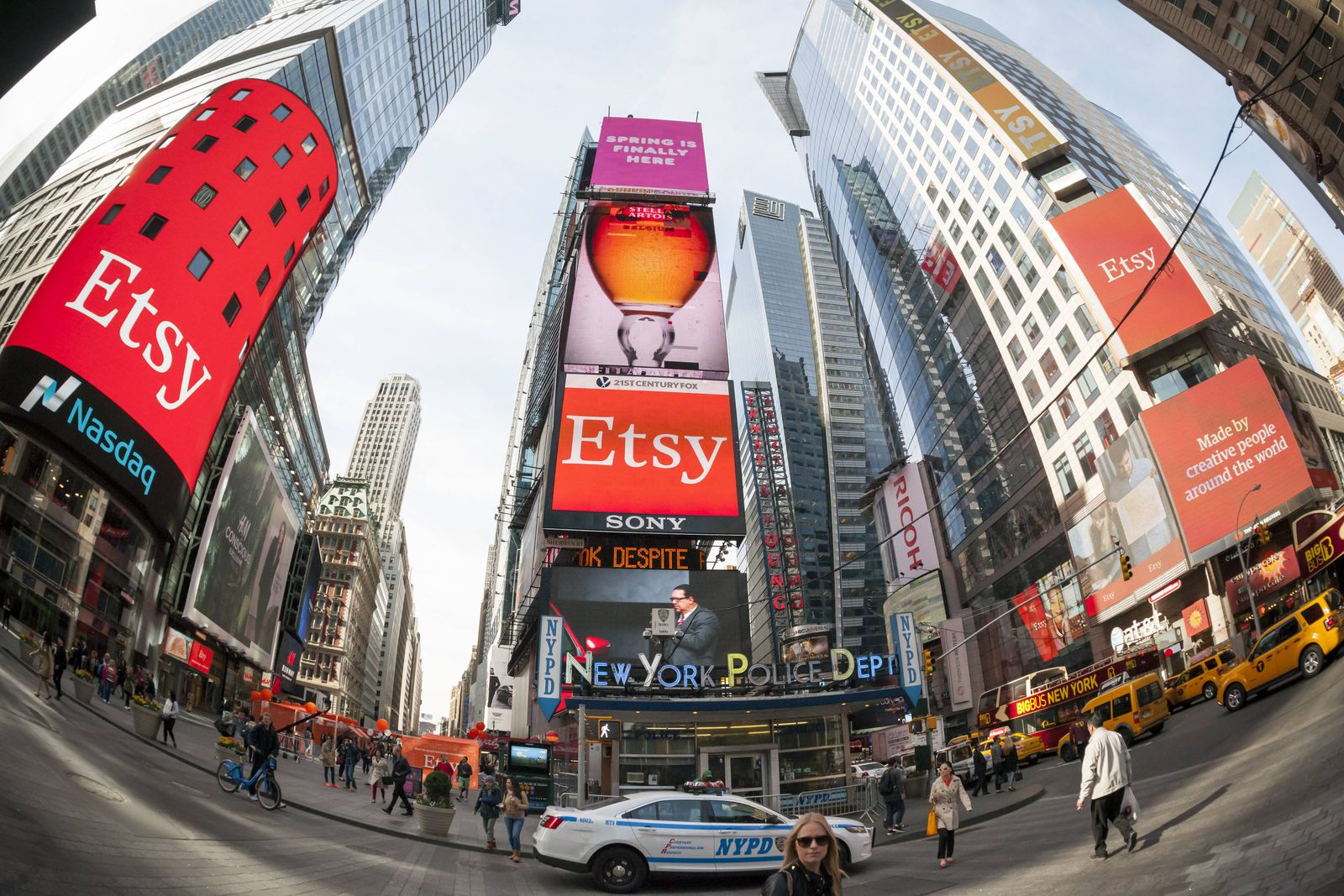 Etsy IPO debuts on NASDAQ Giant electronic billboards in Times Square and on the NASDAQ commemorate