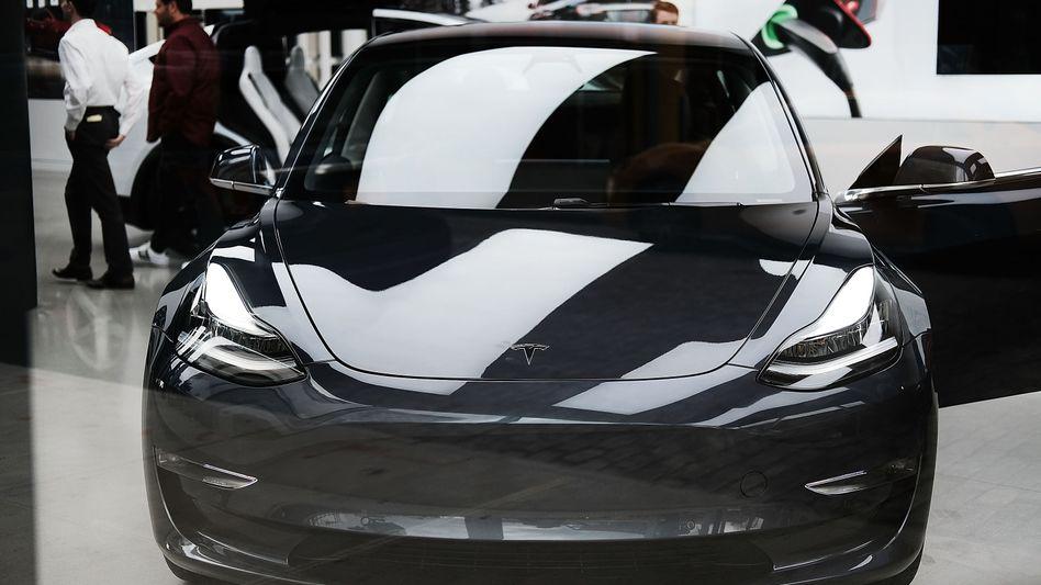 Das Model 3 ist begehrt, doch immer mehr Tesla-Fans verlieren die Geduld, stornieren nach langem Warten ihre Bestellung