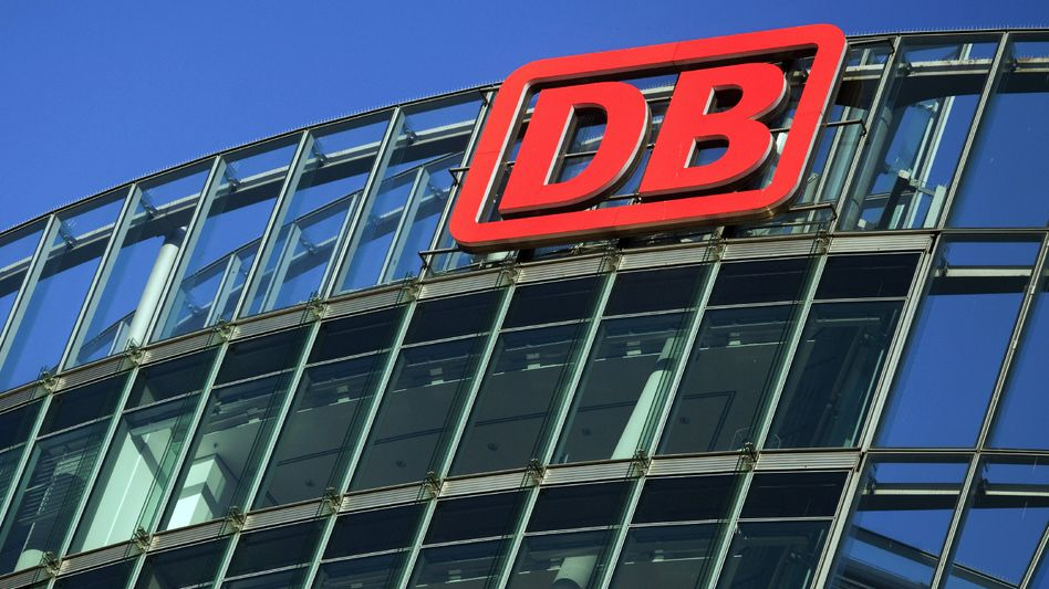 """Die Bahn: Will Rückgriff auf ein Mitglied des """"Kartells der Schienenfreunde"""" nehmen"""