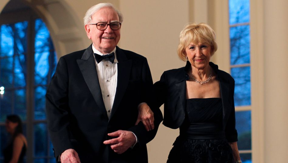 Warren Buffett, Ehefrau Astrid Menks: Die Beteiligung an Munich Re hat Buffett deutliche Gewinne eingebracht