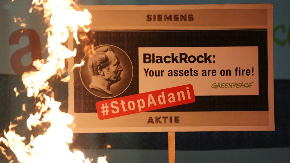 Heißes Thema: Im Zusammenhang mit der Beteiligung von Siemens an einem Kohleprojekt in Australien geriet auch Großaktionär Blackrock in die Kritik.