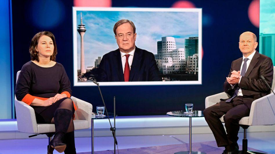 Unvereinbar: Annalena Baerbock (Grüne), Armin Laschet (CDU) und Olaf Scholz (SPD, v.l.) in einer WDR-Fernsehdebatte im Mai