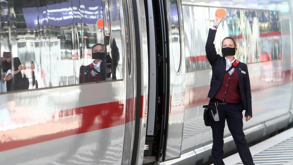 Deutsche Bahn will Kosten sparen und gleichzeitig Personal aufstocken
