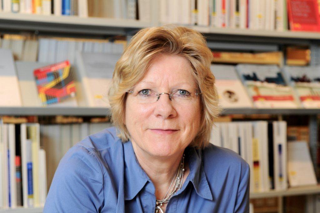 Elke Holst