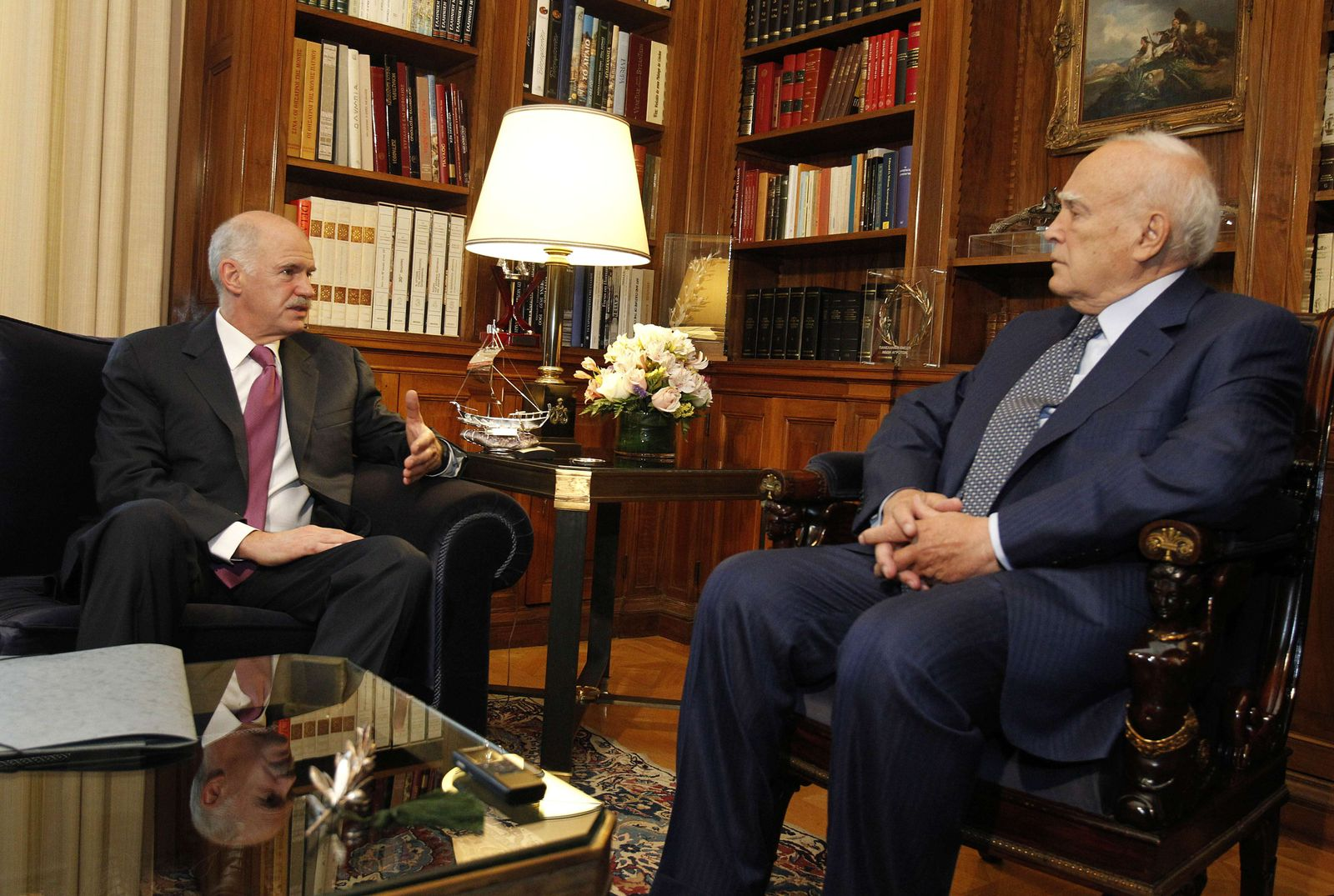 GREECE-FINANCE-ECONOMY-PAPANDREOU-PAPOULIAS