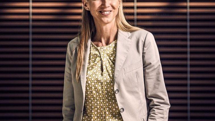 Eine strahlende Erscheinung ist Simone Bagel-Trah ja, das Oberhaupt der Henkel-Familie. Leider strahlt ihr Vorstandschef Hans Van Bylen deutlich weniger, was dem Aktienkurs arg zusetzt.