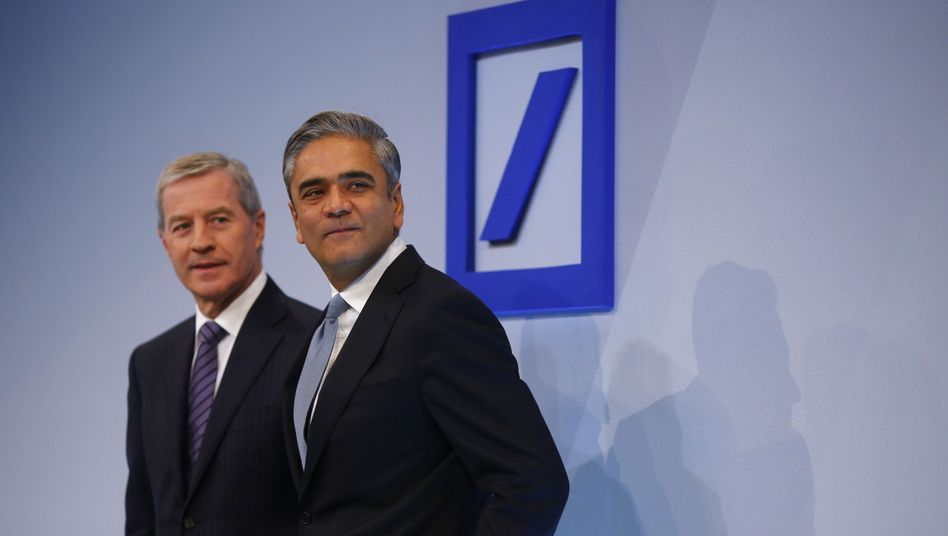 Vertrösten auf das Jahr 2015 und später: Die Doppelspitze der Deutschen Bank - Anshu Jain (r.) und Jürgen Fitschen