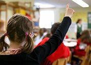 Standortmalus dreigliedrige Schule: laut OECD wird zu früh gesiebt, sozial Schwache bleiben dabei auf der Strecke