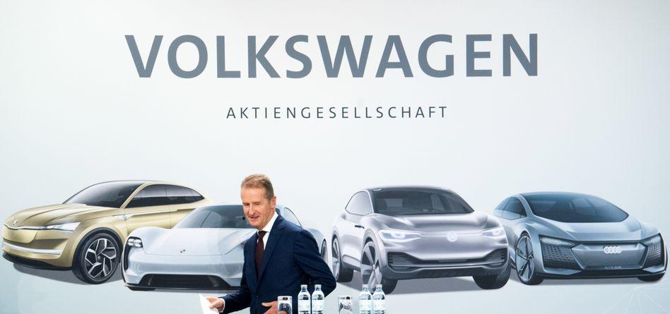 VW-Chef Herbert Diess steht schon lange im Fadenkreuz des mächtigen Betriebsrats. Ob das Friedensangebot nun hilft?