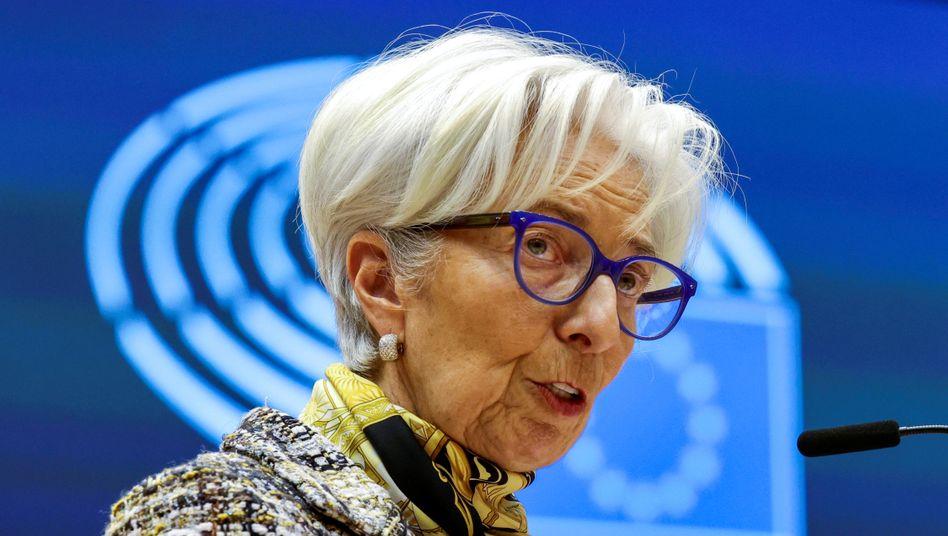 Mehr Anleihenkäufe im zweiten Quartal: Das EZB-Direktorium um Christine Lagarde beobachtet die steigenden Anleiherenditen genau