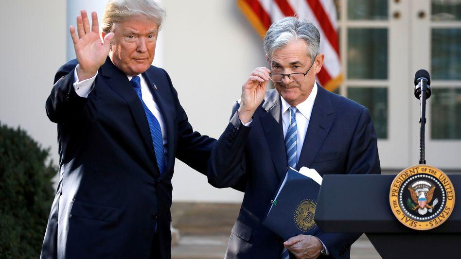 Ein Bild aus besseren Tagen: Donald Trump und der spätere US-Notenbankchef Jerome Powell im November 2017