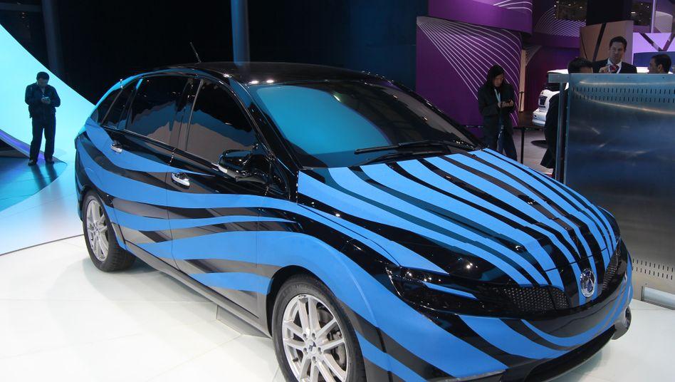 Denza-Elektroauto: Der Fünfsitzer feierte zur Pekinger Automesse seine Premiere. Das Gefährt ist ein Produkt des Gemeinschaftsunternehmens von Daimler und seinem chinesischen Partner BYD