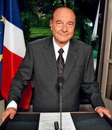 Gequältes Lächeln: Frankreichs Staatspräsident Jacques Chirac nach dem Nein zur EU-Verfassung