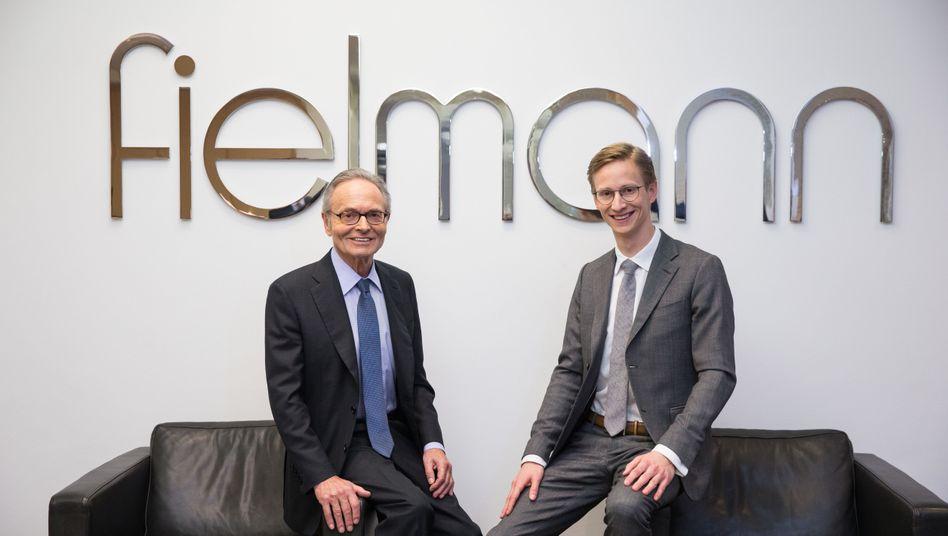 Gründer Günther Fielmann (links) übergibt die Macht in dem Unternehmen in diesem Jahr gänzlich an Sohn Marc