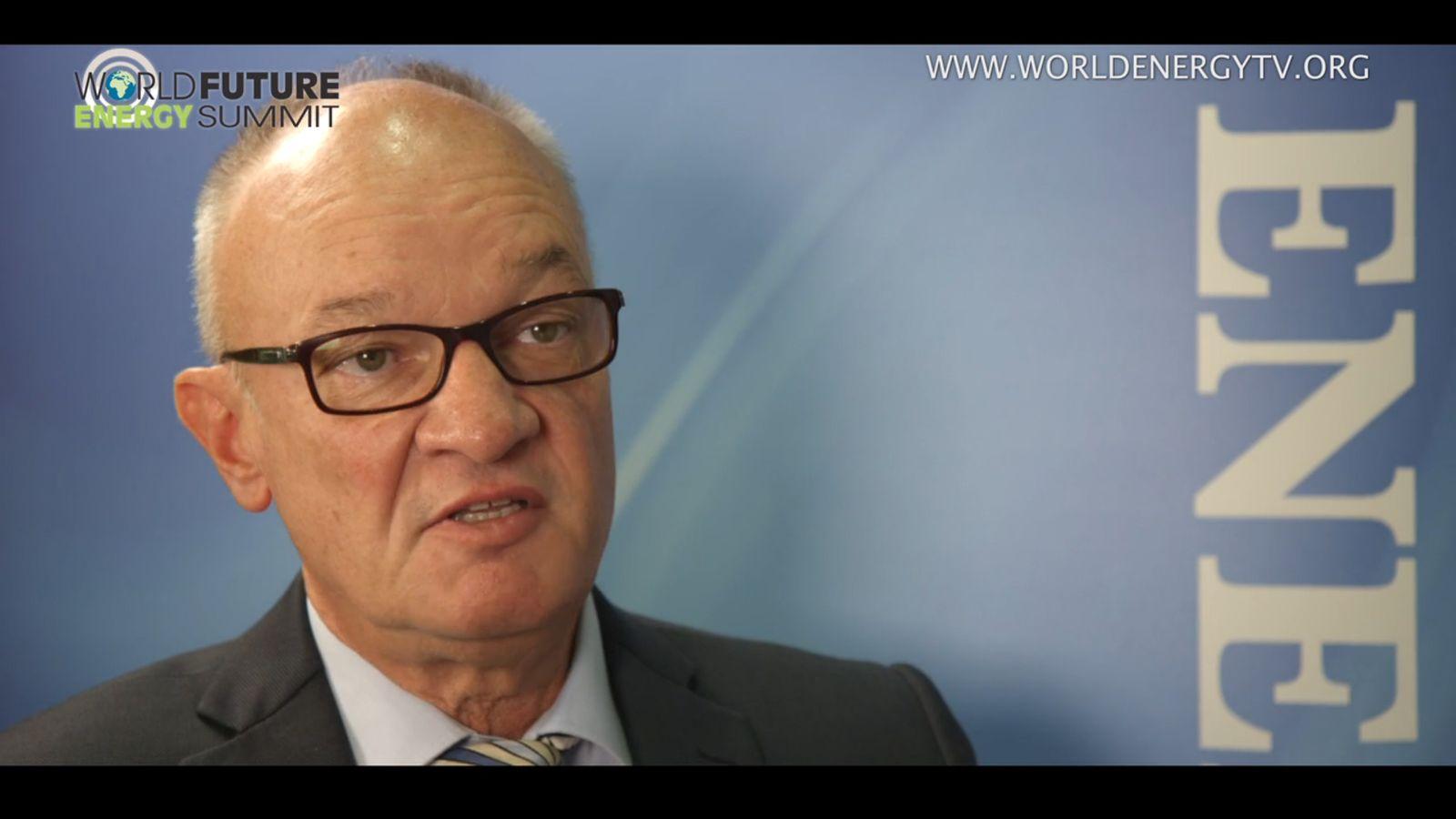 EINMALIGE VERWENDUNG SCREENSHOT Michael Kutschenreuter, General Manager of Heliocentris