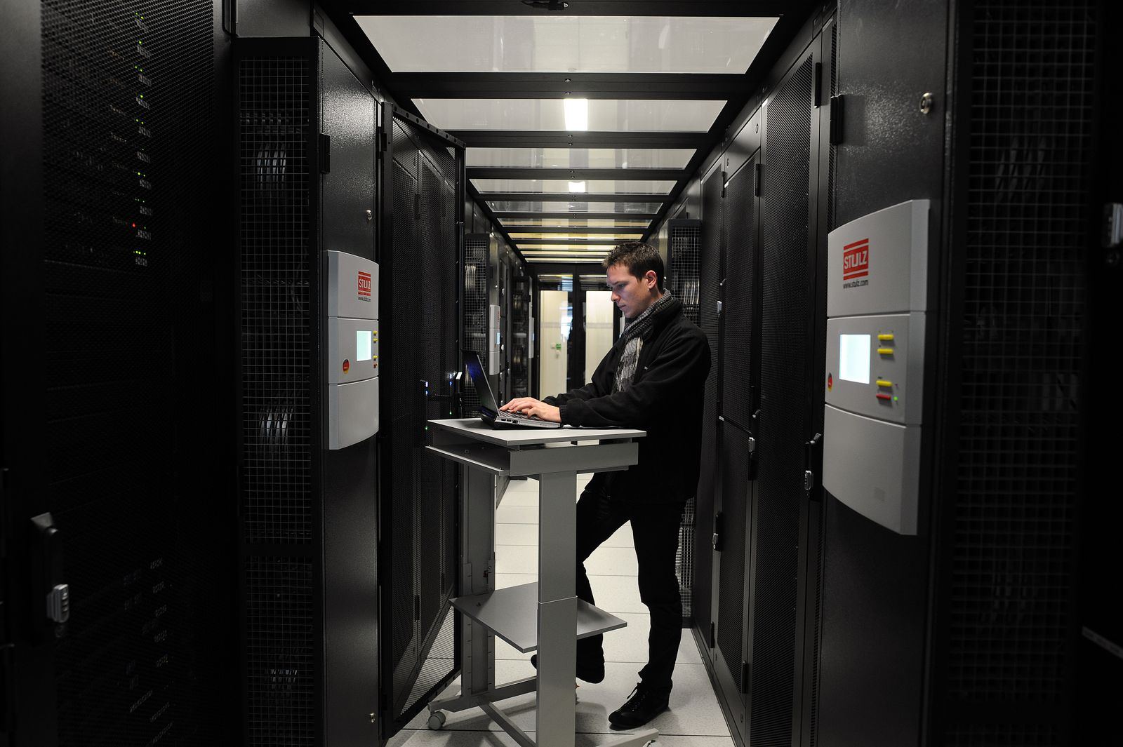 Digitalisierung / Data Center / Angestellter