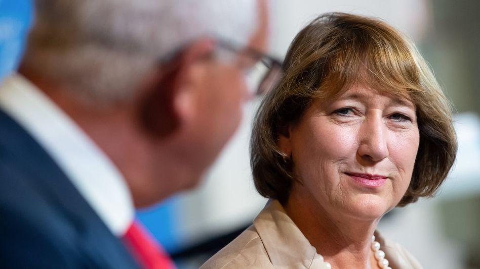 Hilfe vom Staat: VDA-Präsidentin Hildegard Müller