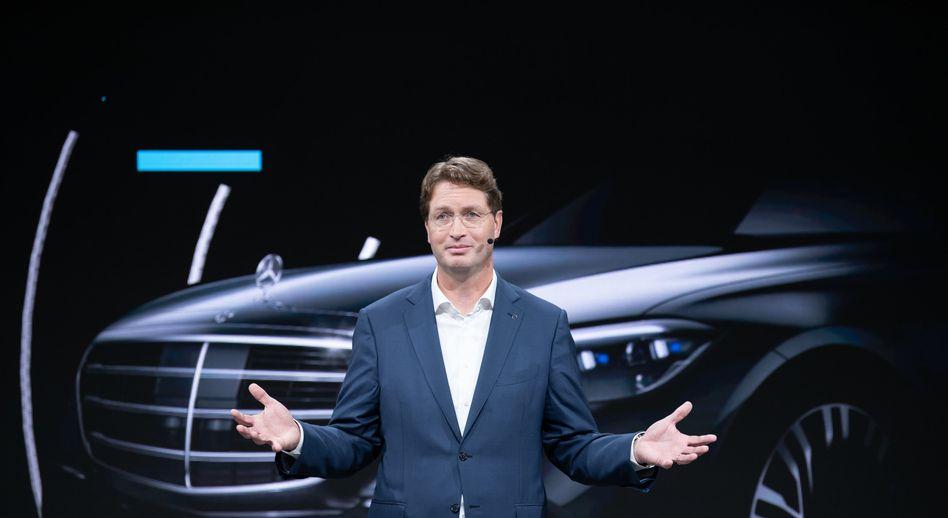 Kann diesmal gute Nachrichten überbringen: Daimler-Chef Ola Källenius hat bei der Hauptversammlung eine Kernbotschaft - es läuft