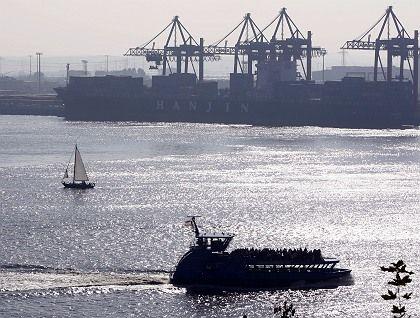 Im Zwielicht: Auch der Seehandel wird unter der Konjunkturschwäche leiden