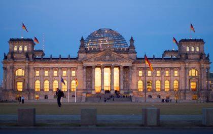 Beschlussrunde im Bundestag: Hartz, Beitrag, Diäten