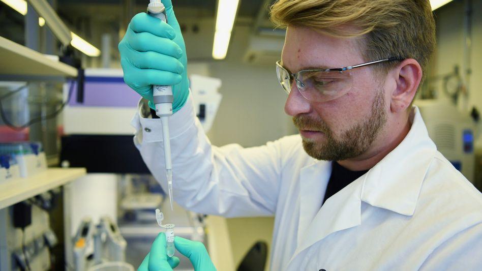 Labor bei Curevac: Der Tübinger Impfstoffentwickler geht eine enge Kooperation mit dem Pharmakonzern Bayer ein