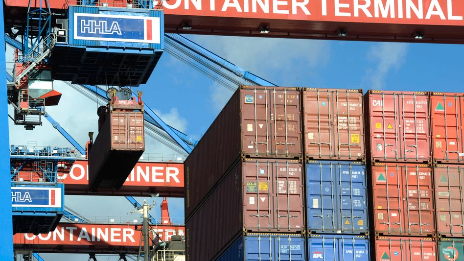 Container im Hamburger Hafen: Im Vergleich zum Vormonat sanken die Exporte im Juni um mehr als 1 Prozent