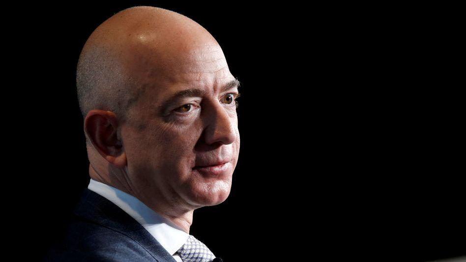 Jeff Bezos: Seine Weltraumfirma Blue Origin verschlingt viel Geld, mit regelmäßigen Aktienverkäufe finanziert der reichste Mann der Welt den Betrieb des Unternehmens