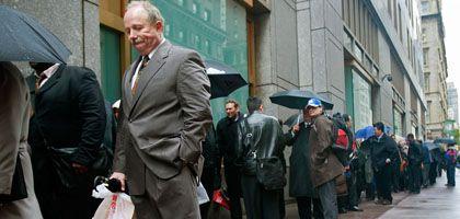 Auf Jobsuche in New York: Hohe Arbeitspaltzverluste erschüttern Amerika