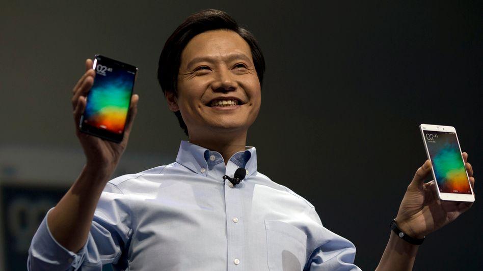 Neue Produkte: Im Smartphonemarkt ist Xiaomi bereits die Nummer zwei in der Welt - jetzt will Konzernchef Lei Jun auch noch ins Geschäft mit Elektroautos einsteigen