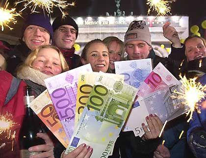 Jubel bei der Euro-Einführung: Halbe Preise bei vollem Geldwert