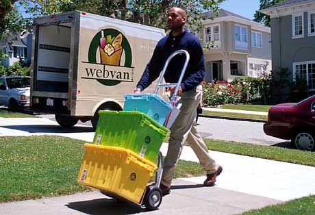 Gutes Timing: Webvan-Chef George Shaheen bekam bei seinem Ausstieg im April 2001 einen Kredit in Höhe von 6,8 Millionen Dollar erlassen. Nur drei Monate später musste der Internet-Supermarkt Konkurs anmelden. Wäre das nicht passiert, hätte Shaheen bis ans Ende seines Lebens 375.000 Dollar pro Jahr erhalten. (Quelle: CNet.com)