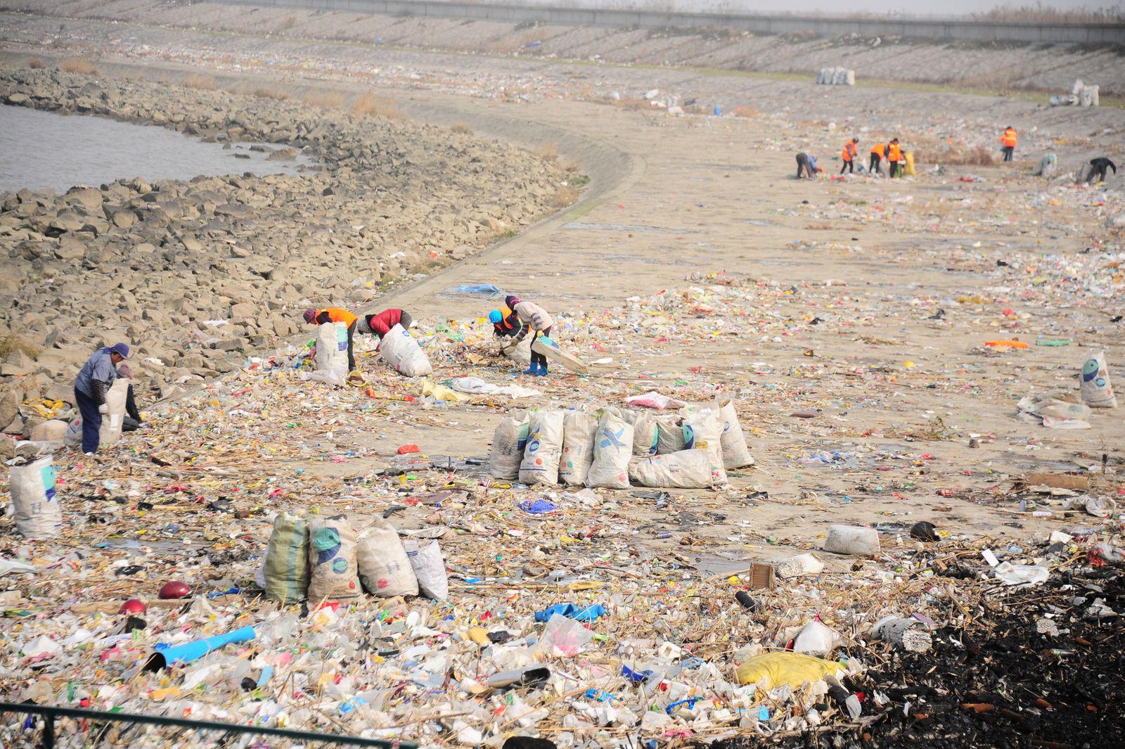 Plastik / Müll / China / Jangtsekiang