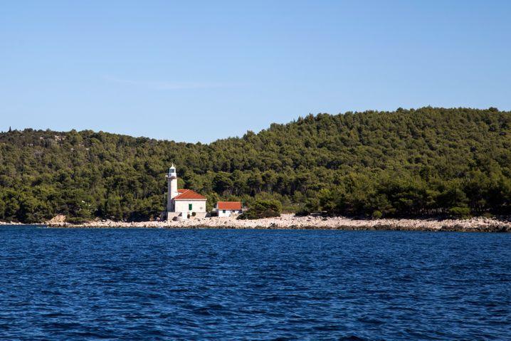 Typisch kroatisch sind die Leuchttürme aus Stein - in einigen kann man auch übernachten.