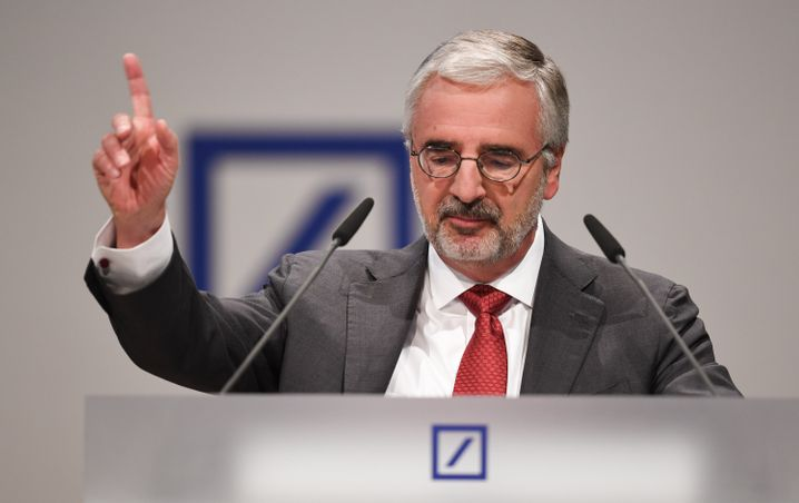 Gibt seit 2012 die Richtung vor: Paul Achleitner, Aufsichtsratschef, hier auf der Hauptversammlung im Mai 2016.