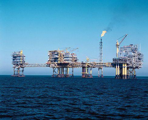 Geringe Nachfrage: Ölpreis fällt wieder