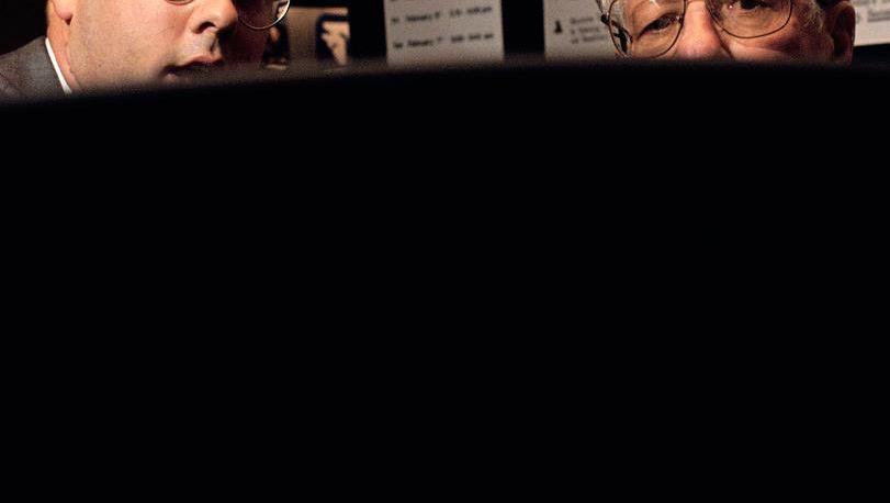 Beratungsgespräch: Der Gesetzgeber will die Provisionen für die Vermittlung von Versicherungspolicen deckeln und die Stornohaftung ausweiten