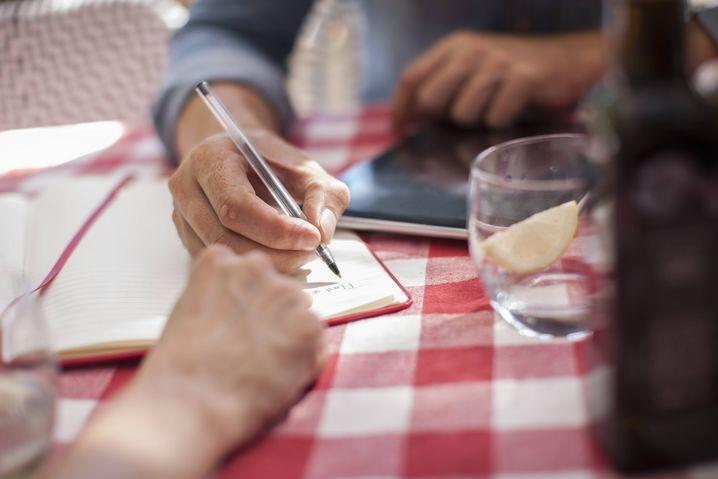 Auf dem Papier und aus dem Kopf: Schreiben Sie eine To-Do-Liste für die Rückkehr - und genießen Sie dann Ihren Urlaub