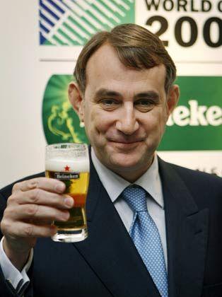 Zum Abschied ein Prost: Heineken-Chef van Boxmeer verabschiedet Verkaufschef van Campen