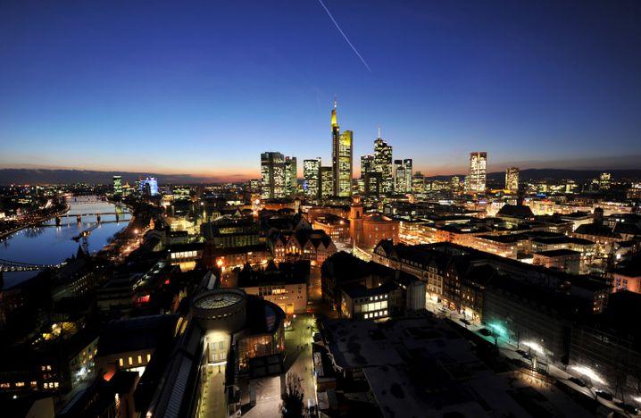 Bankenviertel in Frankfurt: Hoher Einsatz von Fremdkapital bei deutschen Großbanken