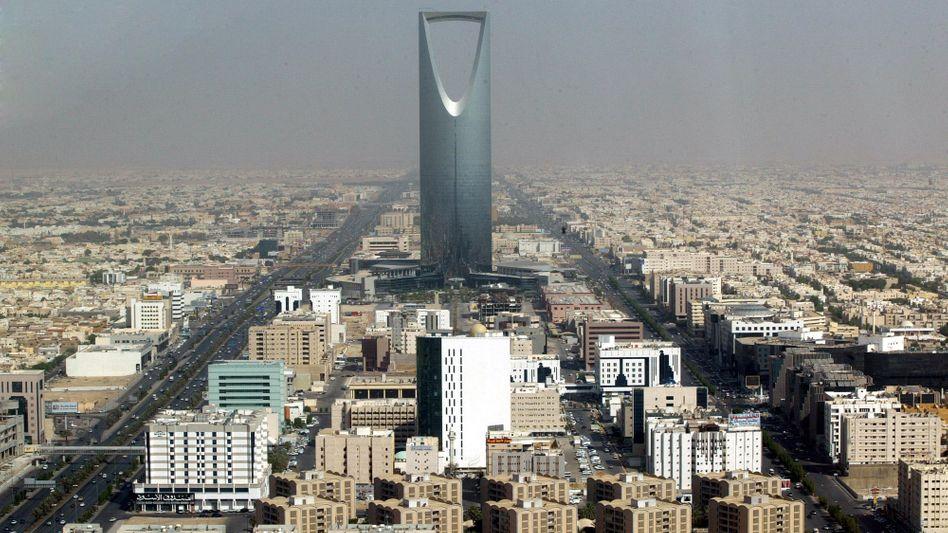 Blick auf die saudische Hauptstadt Riad: Touristen sollen künftig weniger Hindernisse haben, wenn sie das Land besuchen wollen.