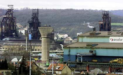 Im Visier von Mittal: Dieses Stahlwerk Hayange (Frankreich) gehört dem Rivalen Arcelor. Mittal Steel will den luxemburgischen Stahlriesen Arcelor für 18,6 Milliarden Euro kaufen.