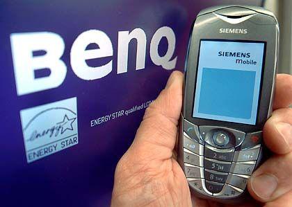 """""""Wenn Sie den Siemens-Verkauf der Handysparte sehen, da werden die Werke verschenkt und gleichzeitig noch eine Viertelmilliarde Euro draufgelegt."""""""