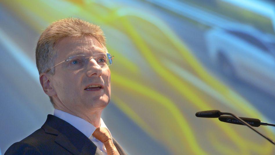 Continental-Chef Elmar Degenhart: Eine Frage der Zeit, bis sich Elektroautos durchsetzen
