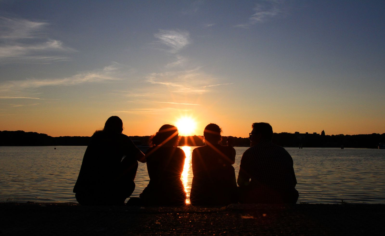 Sonnenuntergang am Tegeler See / Freundschaft / Jugendliche
