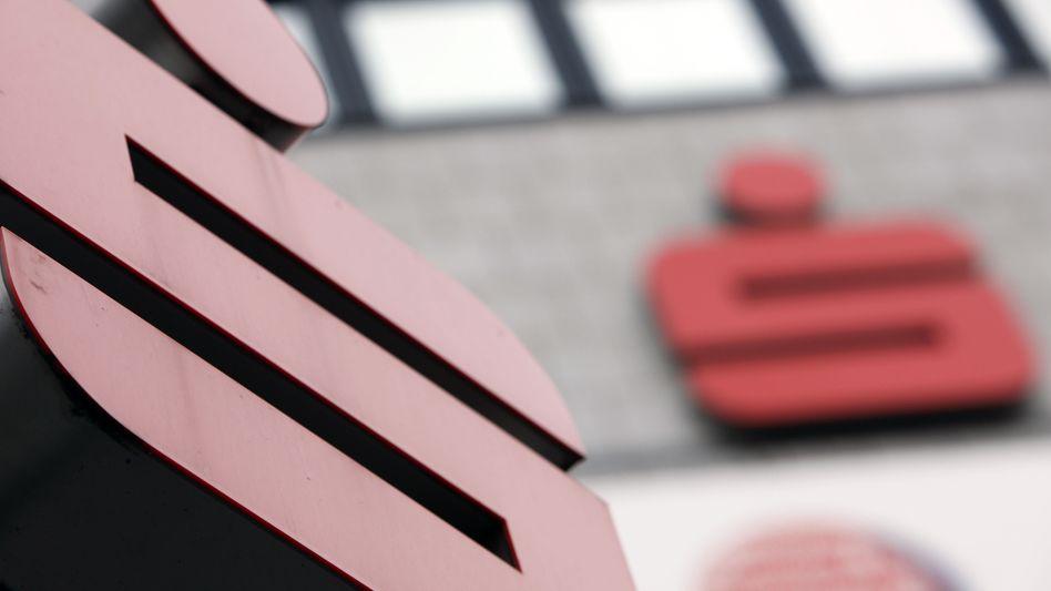 Sparkasse: Ohne eine Geldspritze in Millionenhöhe droht der Sparkasse Südholstein der Einmarsch der Finanzaufsicht