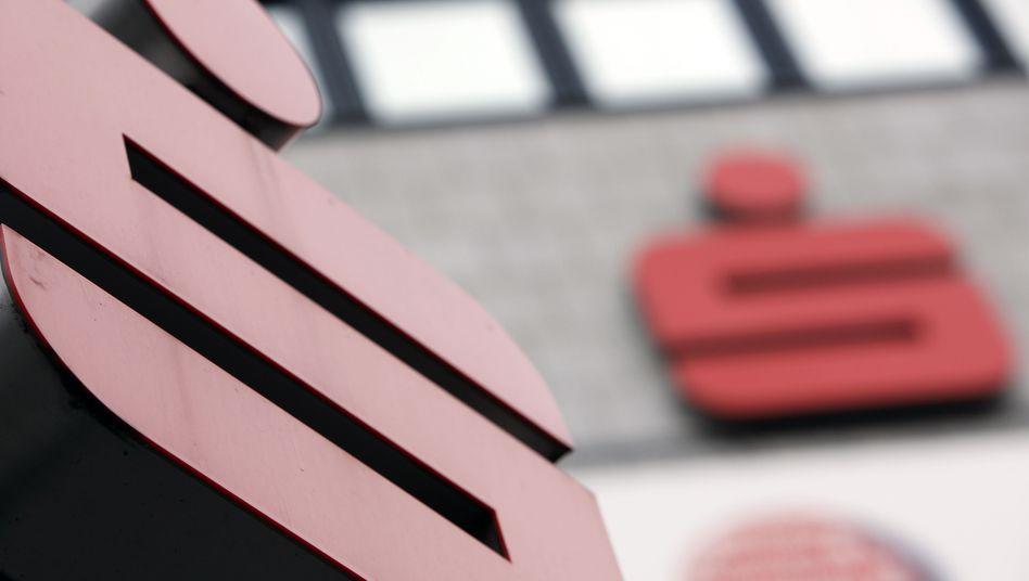 """""""S"""" wie Strafzinsen? Die Sparkassen in Deutschland wollen keine Negativzinsen auf Spareinlagen einführen"""